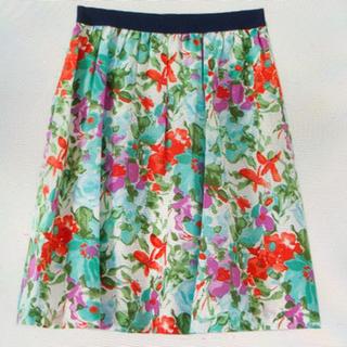 ドアーズ(DOORS / URBAN RESEARCH)のアーバンリサーチ ドアーズ 花柄スカート doors (ひざ丈スカート)