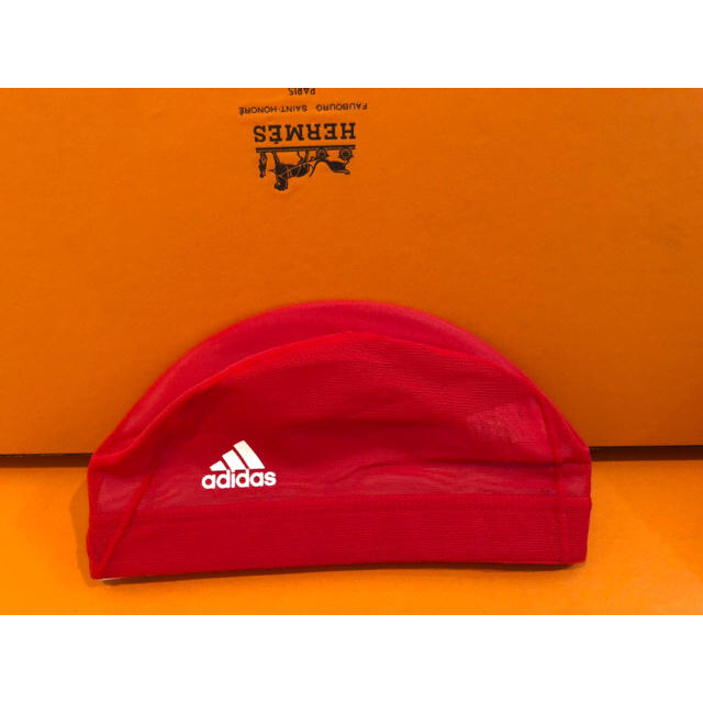 adidas(アディダス)のアディダスadidasスイミングキャップ新品未使用L水泳帽スイムキャップ スポーツ/アウトドアのスポーツ/アウトドア その他(マリン/スイミング)の商品写真