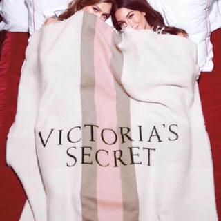 ヴィクトリアズシークレット(Victoria's Secret)の新品タグ付☆ Victoria's Secret ブランケット(毛布)