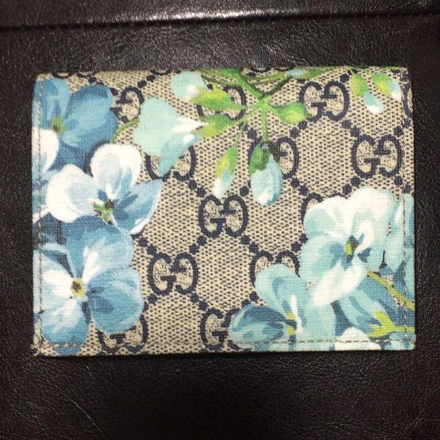 Gucci - GUCCI 二つ折り財布 ブルームスの通販 by hachigia19VV's shop|グッチならラクマ