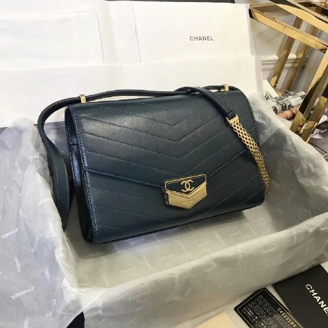 CHANEL - CHANEL新しいショルダーバッグ  の通販 by 村田 渉's shop|シャネルならラクマ