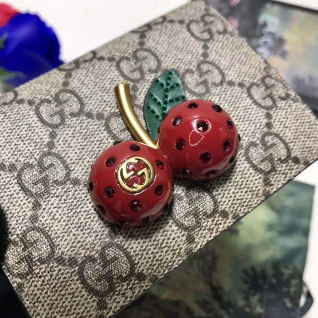 Gucci - 人気品GUCCI グッチ の通販 by period_80a's shop|グッチならラクマ