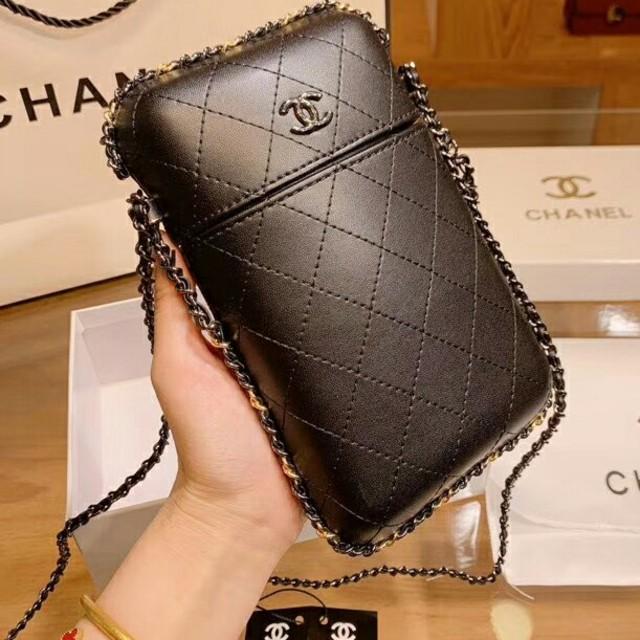 CHANEL - chanelのショルダーバッグの通販 by monday's shop|シャネルならラクマ