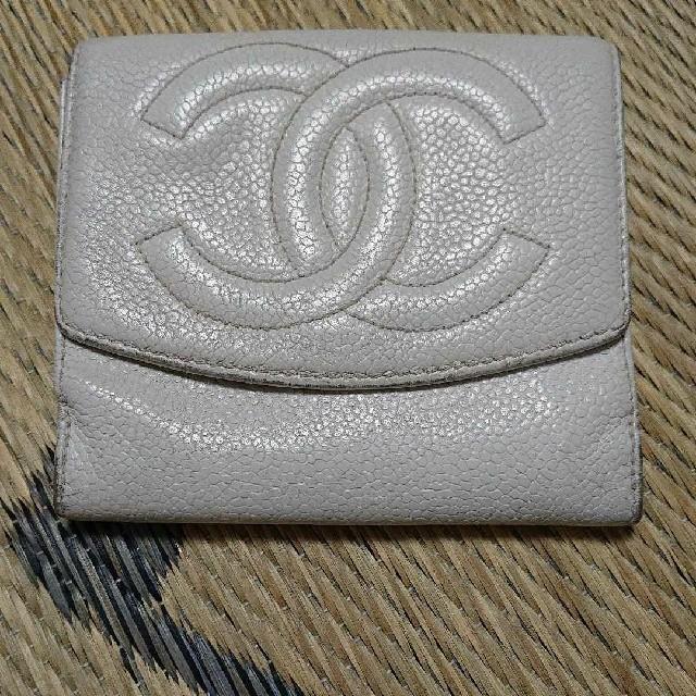 CHANEL - CHANELキャビアスキン折り財布の通販 by うっきぃ's shop|シャネルならラクマ