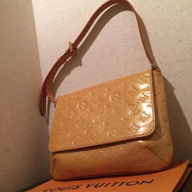 LOUIS VUITTON - セール!綺麗なデザイン!美品!ルイ ヴィトン ヴェルニ ショルダーバッグの通販 by 値引OK@ゆづアイス's shop|ルイヴィトンならラクマ