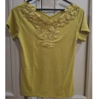 シマムラ(しまむら)のTシャツ マスタードイエロー M(Tシャツ(半袖/袖なし))