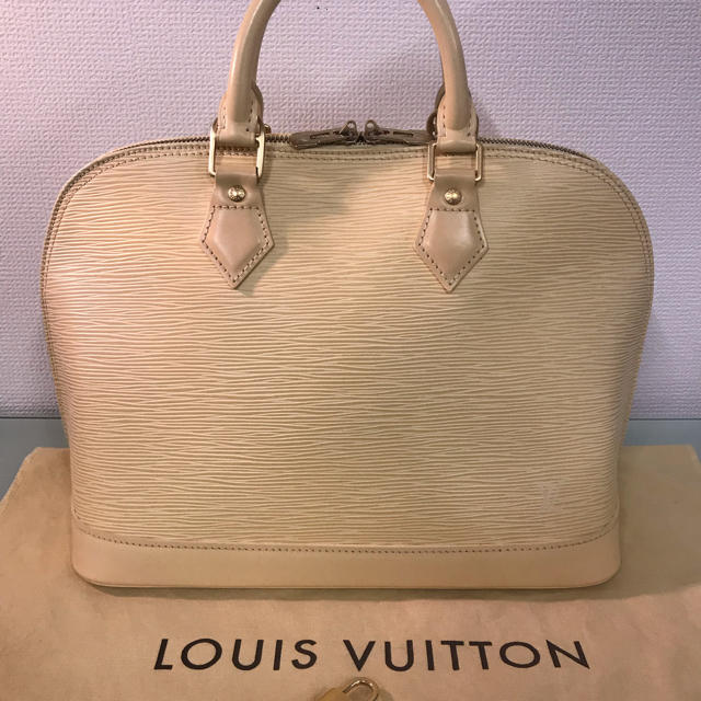 LOUIS VUITTON - ✨LOUIS VUITTON✨エピ アルマ(*≧∀≦*)❣️の通販 by しーちゃん's shop|ルイヴィトンならラクマ
