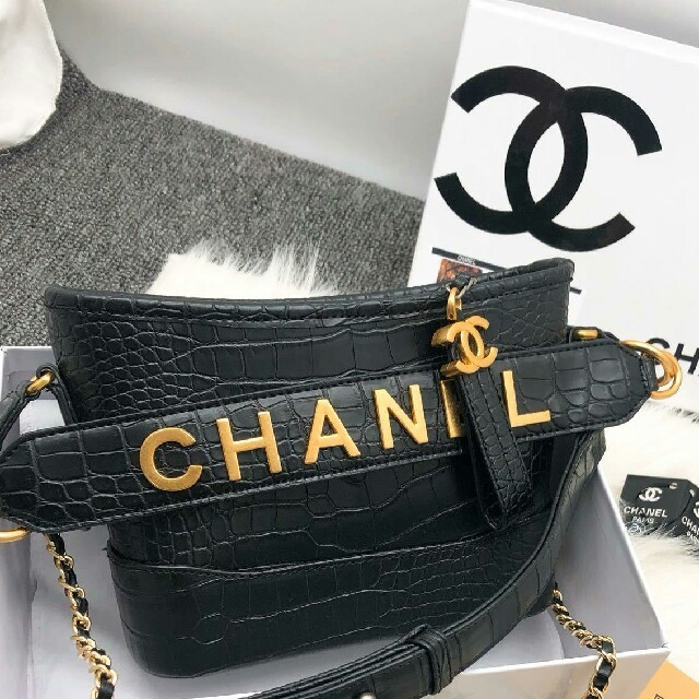 ブルガリ バッグ 偽物わかる - CHANEL - 19ss chanel シャネル   バッグ  ショルダーバッグ の通販 by 青木モリカツ's shop|シャネルならラクマ