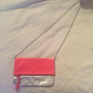 エイチアンドエム(H&M)の新品未使用♡H&M  フリンジショルダー クラッチ2wayバック(ショルダーバッグ)