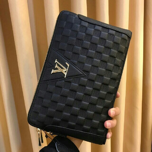 victorinox 時計 激安 モニター 、 LOUIS VUITTON - LOUIS VUITTONメンズハンドバッグの通販 by ナトス's shop|ルイヴィトンならラクマ