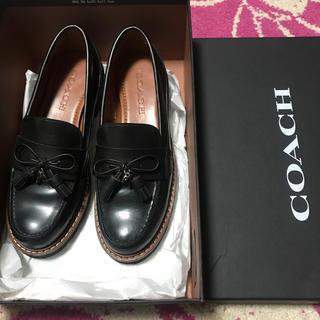 コーチ(COACH)のほぼ未使用 難あり コーチ ローファー 定価5万(ローファー/革靴)