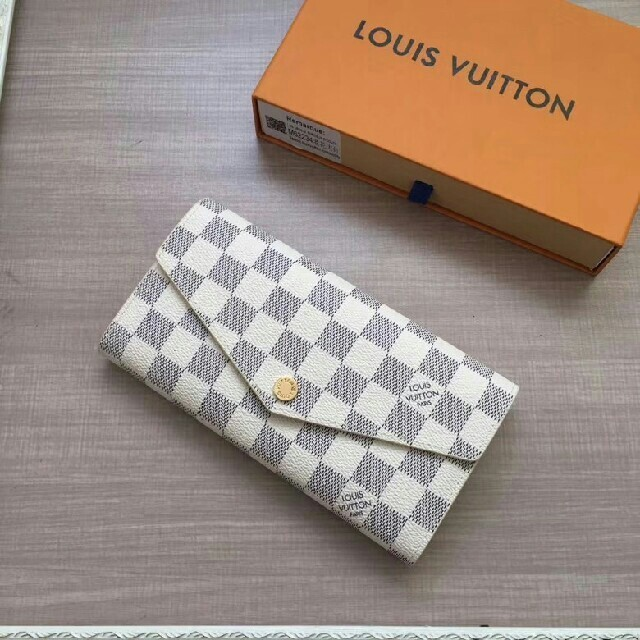 LOUIS VUITTON - 