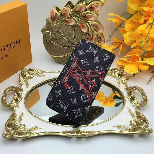 bally バッグ 偽物ヴィヴィアン 、 LOUIS VUITTON - ルイヴィトン 長財布 ファッション小物 メンズ レディースの通販 by マネフ's shop|ルイヴィトンならラクマ