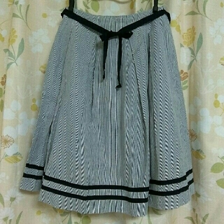 ベルメゾン(ベルメゾン)のストライプ スカート リボン 付 ネイビー(ひざ丈スカート)