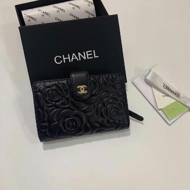 CHANEL - シャネル折り畳み財布の通販 by whitefac's shop|シャネルならラクマ