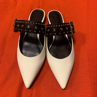 Charles and Keith - 【正規品 未使用】DIOR風なフラットシューズ🧚♀️