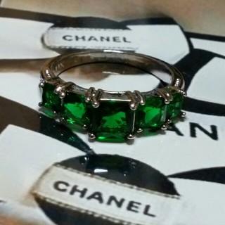 シャネル(CHANEL)の19号 グリーンキュービックダイアモンドホワイトリング(リング(指輪))