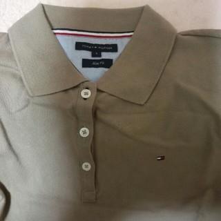 トミーヒルフィガー(TOMMY HILFIGER)のトミーヒルヒガーのベージュのポロシャツお値下げしました。(ポロシャツ)