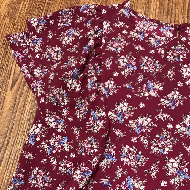 GU(ジーユー)の*gu*フラワープリントブラウス レディースのトップス(シャツ/ブラウス(半袖/袖なし))の商品写真