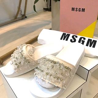 ドゥーズィエムクラス(DEUXIEME CLASSE)の新品 MSGM 36 ビジュー フラットサンダル 定価56160円(サンダル)