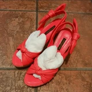 ルイヴィトン(LOUIS VUITTON)の超美品 ルイヴィトン 真っ赤なサンダル(サンダル)