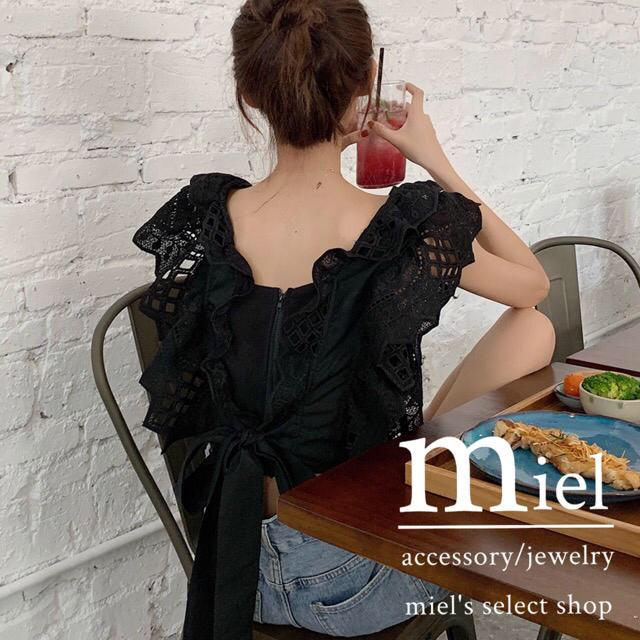 dholic(ディーホリック)の《2colour》Back ribbon blouse/バックリボンブラウス レディースのトップス(シャツ/ブラウス(半袖/袖なし))の商品写真