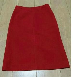 マルイ(マルイ)のVOI OIOI 丸井 マルイ 5号 XS レッドのタイトスカート(ひざ丈スカート)
