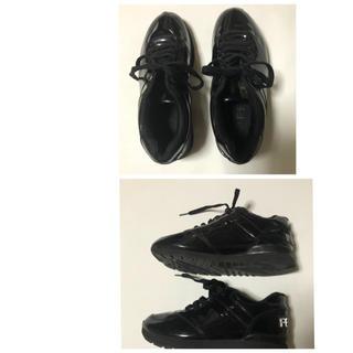 フェンディ(FENDI)のフェンディ スニーカー エナメル 靴 サイズ:37(スニーカー)