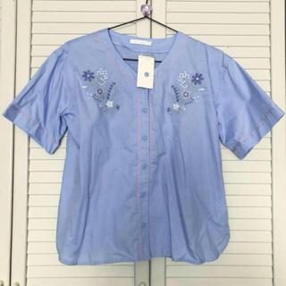 サマンサモスモス(SM2)のベースボールシャツ ブラウス 刺繍ブラウス サンマンサモスマス SM2(シャツ/ブラウス(半袖/袖なし))