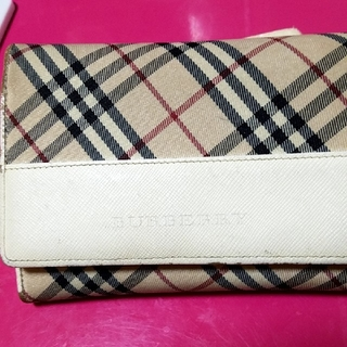 BURBERRY - BURBERRY 折りたたみ財布 二つ折り財布