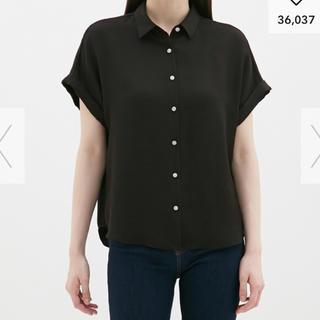 ジーユー(GU)の未使用 GU エアーシャツ半袖(シャツ/ブラウス(半袖/袖なし))