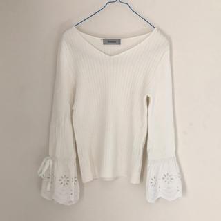 リランドチュール(Rirandture)の試着のみ  袖口フレア刺繍リブニット(ニット/セーター)