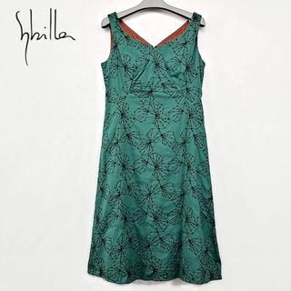 シビラ(Sybilla)のシビラ グリーン 刺繍柄 ワンピース(ロングワンピース/マキシワンピース)