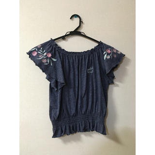 シマムラ(しまむら)の花刺繍オフショルダー(Tシャツ/カットソー)