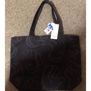 ユニクロ(UNIQLO)のkaws bag(トートバッグ)
