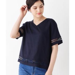 サンカンシオン(3can4on)のVネックシャツ(3can4on)新品・未使用品(シャツ/ブラウス(半袖/袖なし))