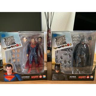 メディコムトイ(MEDICOM TOY)のMAFEX バットマン & スーパーマン(アメコミ)