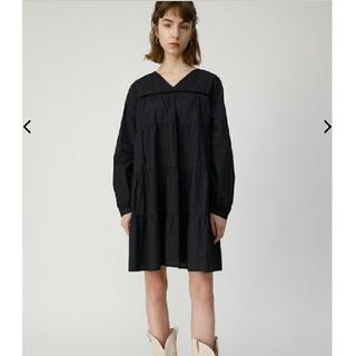 マウジー(moussy)の今季  TIERED FLARE MINI DRESS  ブラック(ひざ丈ワンピース)