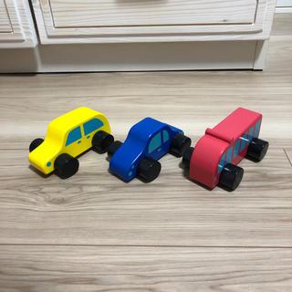 イケア(IKEA)の木の車のおもちゃ(電車のおもちゃ/車)