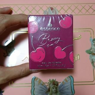 オーガニックエッセンス(ORGANIC ESSENCE)のドイツ購入♪Essence♪新作♪日本未入荷♪さくらんぼベリー香水(香水(女性用))
