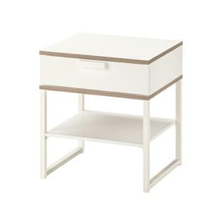 イケア(IKEA)のTRYSIL ベッドサイドテーブル ホワイト(コーヒーテーブル/サイドテーブル)