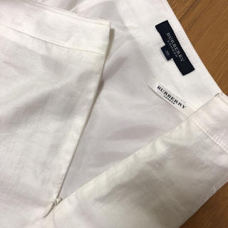 バーバリー(BURBERRY)の【Burberry】バーバリー ホワイト ひざ丈スカート (ひざ丈スカート)