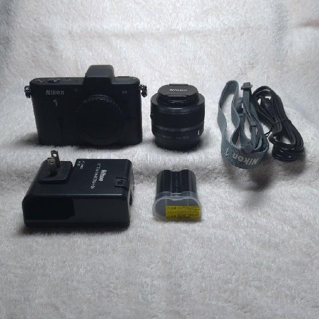 Nikon(ニコン)のニコン Nikon1 V1 標準ズームレンズキット ブラック スマホ/家電/カメラのカメラ(ミラーレス一眼)の商品写真
