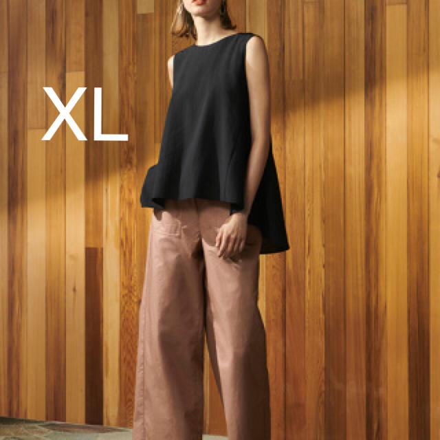 GU(ジーユー)の新品 タグ付き 完売商品 GU バッグテールブラウス ノースリーブ 黒 XL レディースのトップス(シャツ/ブラウス(半袖/袖なし))の商品写真