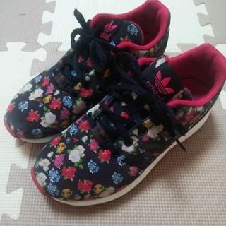 アディダス(adidas)のアディダスオリジナルス adidas originals スニーカー 花柄 靴(スニーカー)