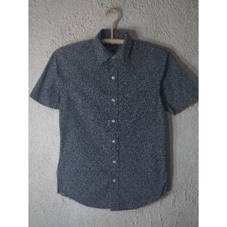 ギャップ(GAP)の4164 ギャップ クラシック フィット 半袖 細かめ 花柄 シャツ(シャツ/ブラウス(半袖/袖なし))