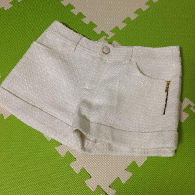ホワイトショートパンツ レディースのパンツ(ショートパンツ)の商品写真