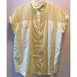 ジーユー(GU)のGU 黄色ブラウス (S)(シャツ/ブラウス(半袖/袖なし))
