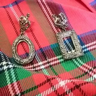 ジェーンマープル(JaneMarple)のジェーンマープル ピアス ブロンズ 王冠 楕円、長丸 額縁柄(ピアス)
