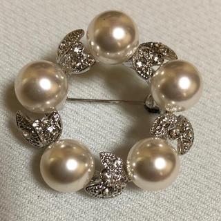 新品 照り艶良し あこや真珠 ブローチ バタフライ キュービック(ブローチ/コサージュ)